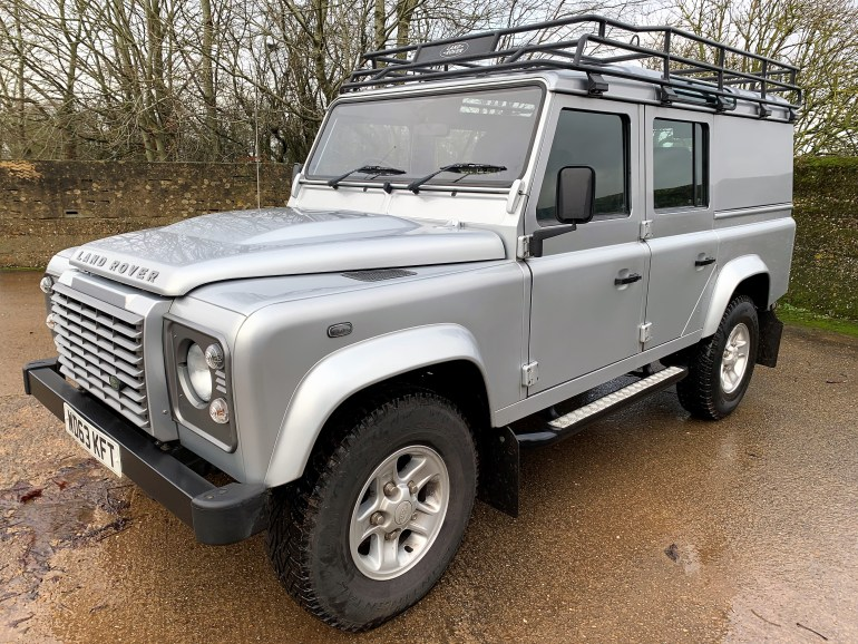 2013/63 DEFENDER 110 2.2TDCi XS UTILITY 1 PRIVATE OWNER FROM NEW 19300M WITH FSH FOR SALE AT MOTODROME