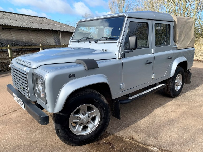 2009/59 DEFENDER 110 TDCi XS DOUBLECAB FOR SALE