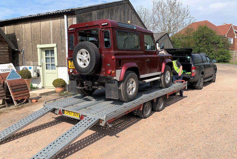 DEFENDER 90 ON IT'S WAY TO IT'S NEW OWNER IN THE NORTH WEST - SOLD UNDER COVID-19 LOCKDOWN CONDITIONS WITH ALL SOCIAL DISTANCING MEASURES UNDERTAKEN