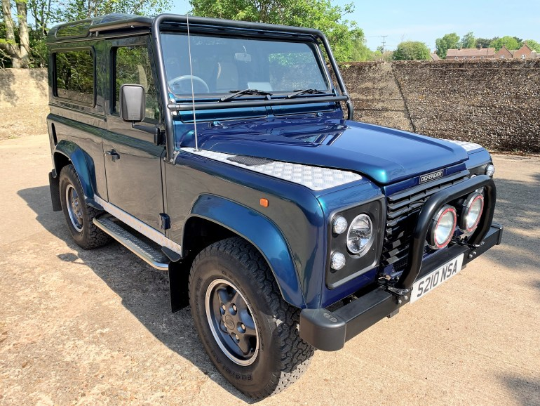 1998 DEFENDER 90 50TH ANNIVERSARY 4.0V8 AUTO WITH UPGRADES JUST 27000M