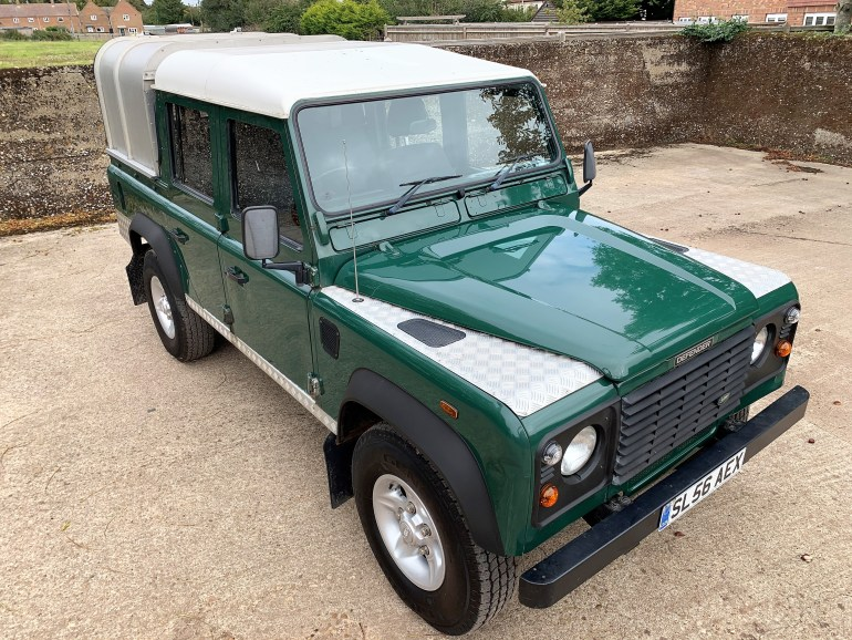 2006/56 land rover Defender 110 TD5 Double Cab for sale at motodrome £12995