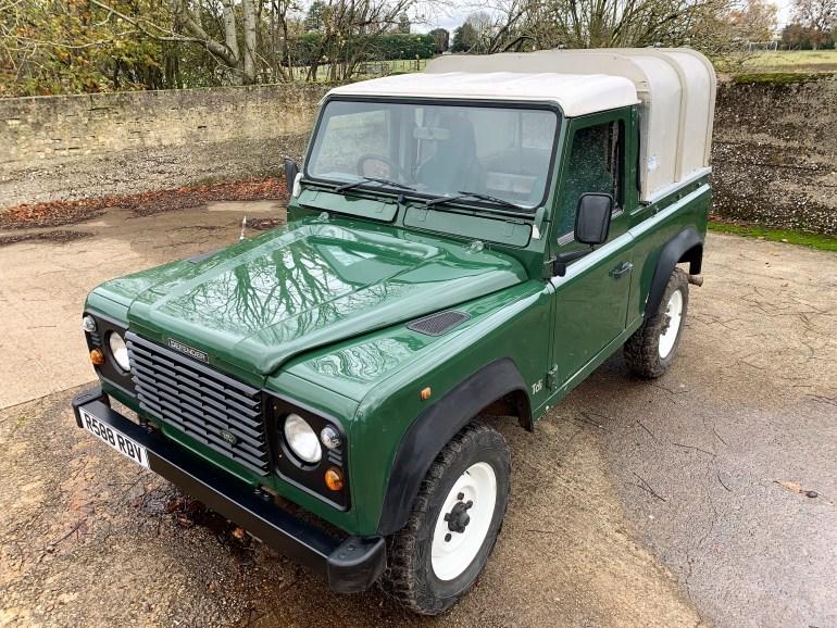 1997/R  LAND Rover Defender 90 300TDi truck cab £7995 for sale at motodrome