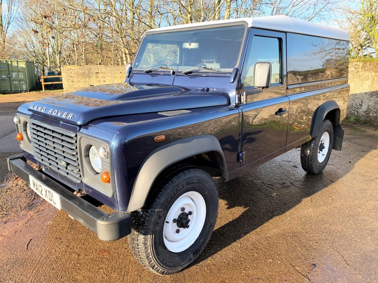 2012 LAND ROVER DEFENDER 110 2.2TDCi hardtop £22995 FOR SALE AT MOTODROME