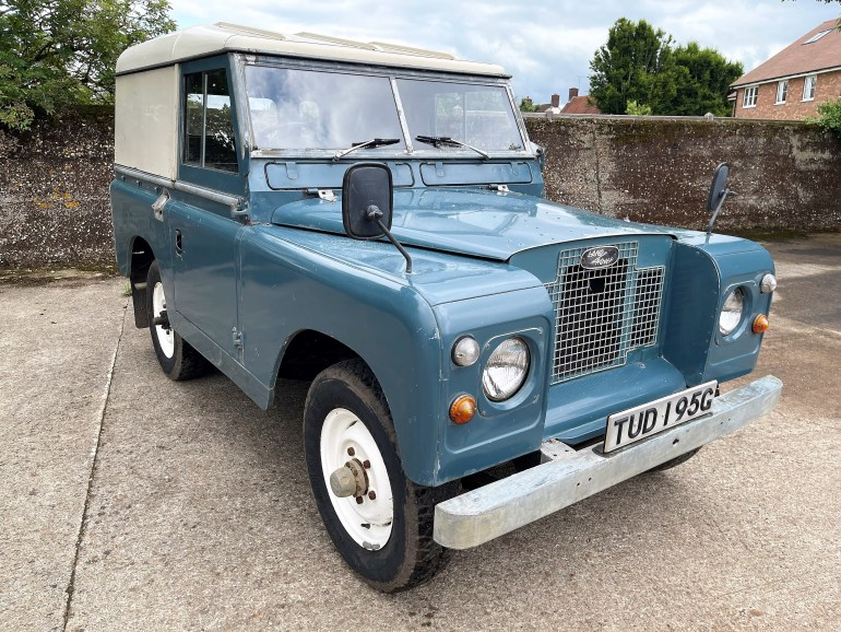 1969 lAND ROVER SERIES IIa 88in PETROL HARDTOP FOR SALE AT MOTODROME