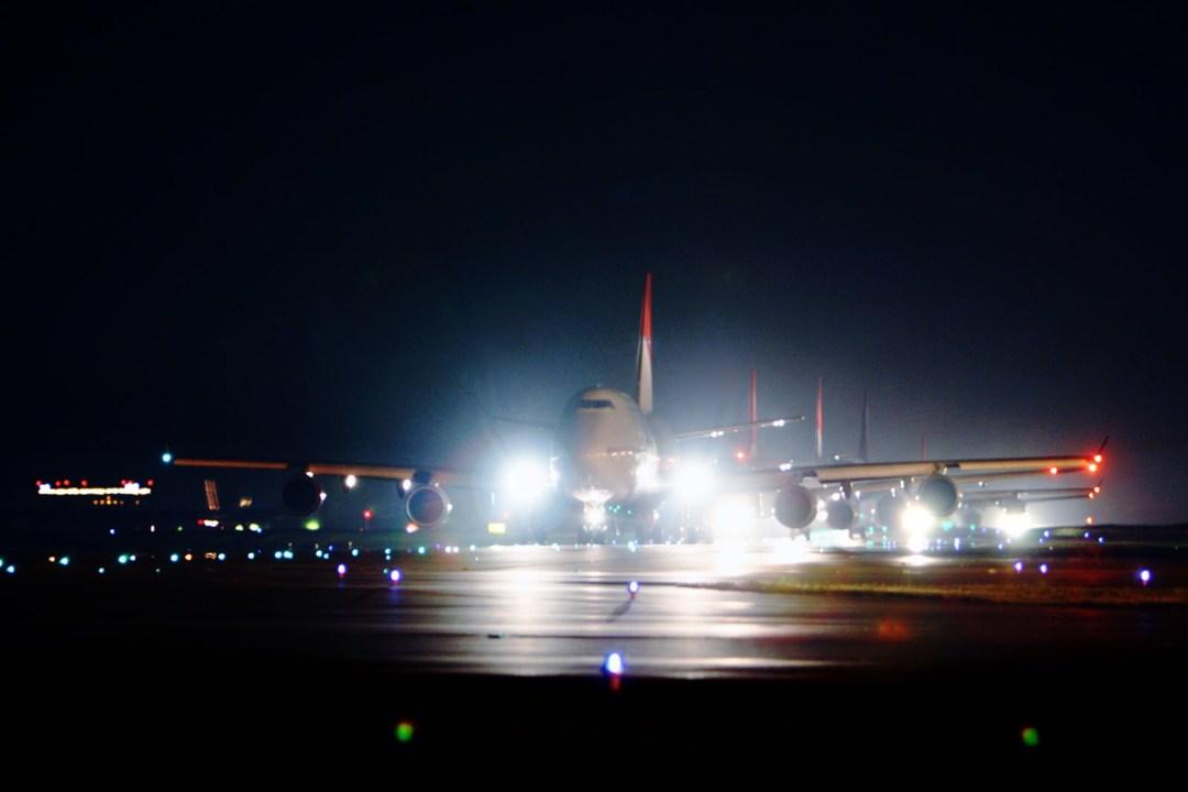 heavy-traffic-airplane