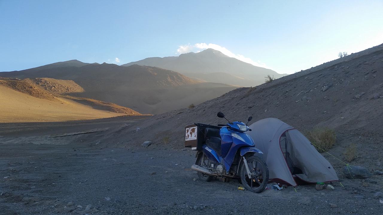 Camping-selvagem-revista-moto-adventure-rosa-freitag-Alfredo_Souza