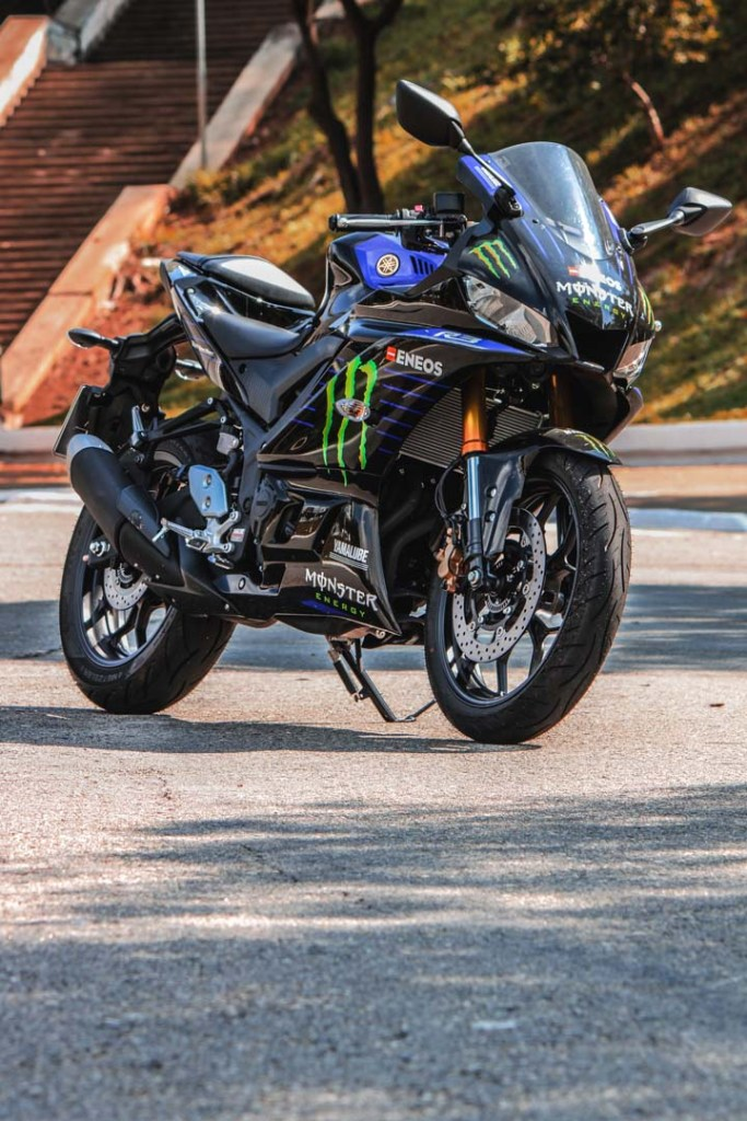 Yamaha-YZF-R3-Monster-Edition