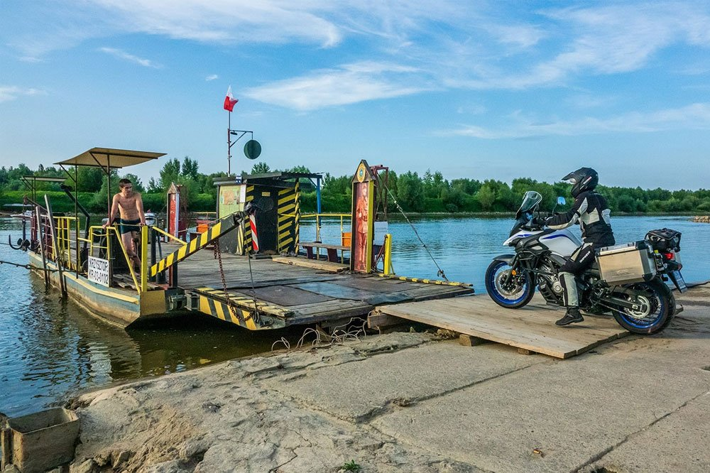 video San Pietroburgo e Paesi Baltici con Suzuki V-Strom 650 XT