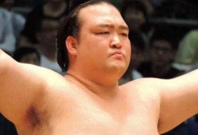 キセノンが横綱昇進決定!日本人で19年ぶり!牛久町はお祭り騒ぎか?