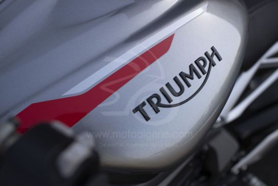 Triumph 2020-New_Street_Triple_RS-Detail_5.2935aa77