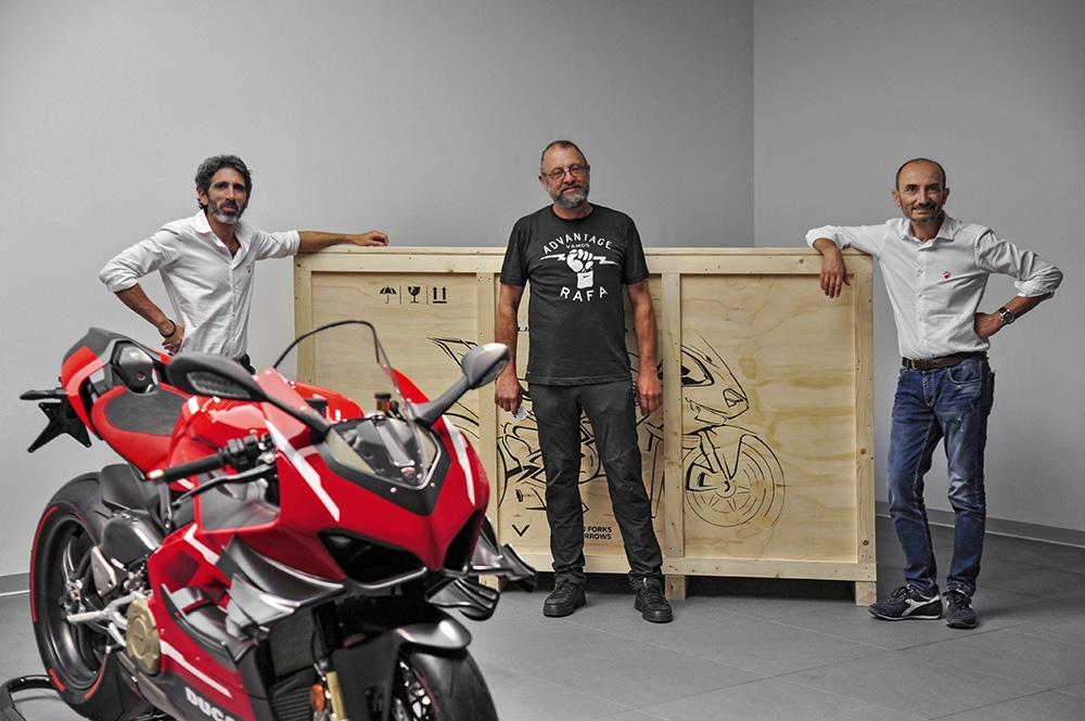 Ducati : Remise des clés de la Superleggera V4 numéro 001/500 à Borgo Panigale