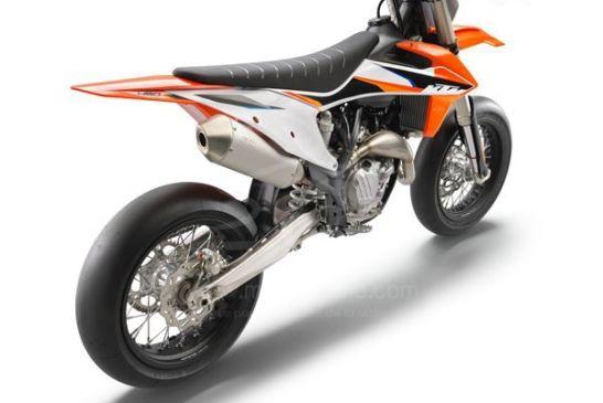 KTM 450 SMR 2021 studio3