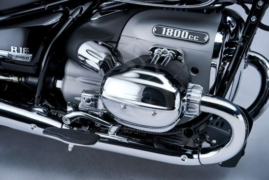 P90401864_lowRes_the-bmw-r-18-classic