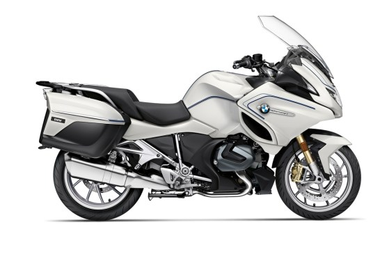 P90402242_highRes_the-new-bmw-r-1250-rt 2021