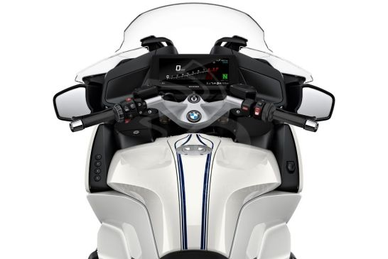 P90402250_highRes_the-new-bmw-r-1250-rt 2021