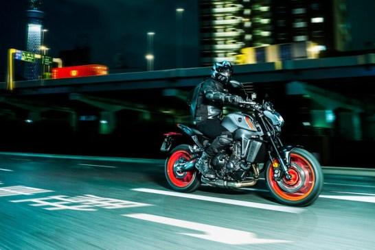 Nouvelle Yamaha MT-09 2021 : Nouveau look, plus de puissance et moins de poids !