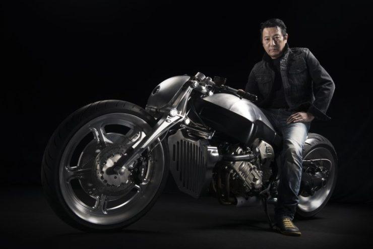 BMW-Motorrad-K1600R-6