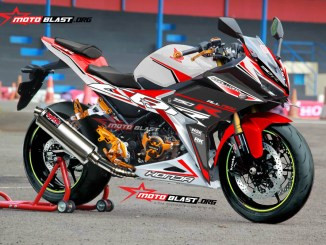 2 CBR150R WHITE RED SPORTY1