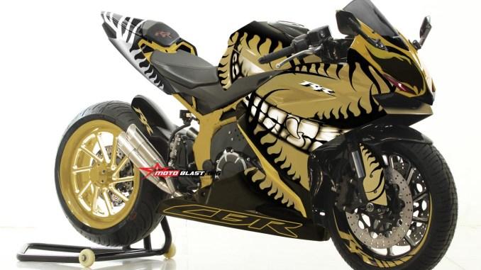 CBR250RR-HELLOWEN GOLD-