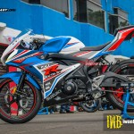 GSX-R150 - WHITE SPORTY BUE2
