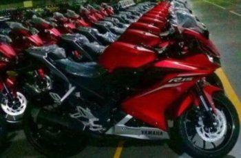 Penampakan All New Yamaha R15 menumpuk di gudang siap di distribusi