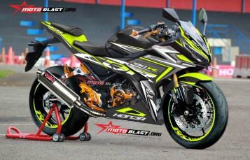 Modifikasi striping Honda new CBR150R Black Flash