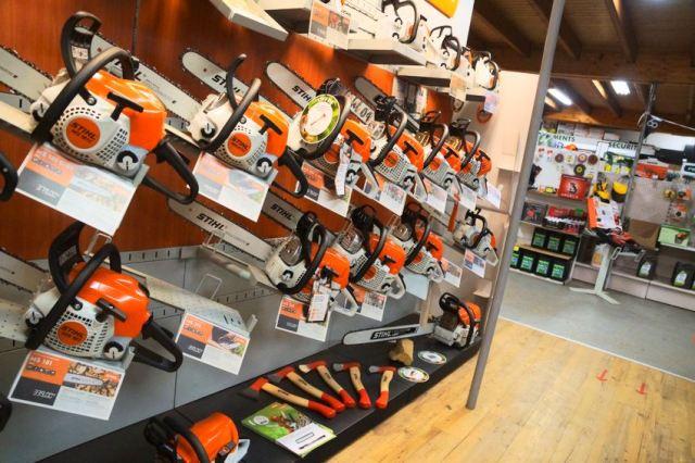 grand choix de tronçonneuses dans nos magasins de Morlaix et de Landerneau dans le Finistère