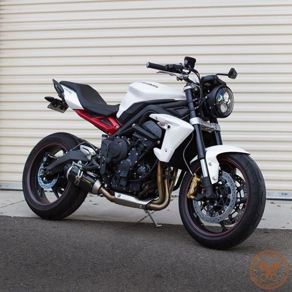 Street Triple with Single Headlight Conversion