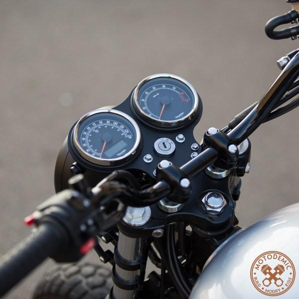Triumph Scrambler Flat Gauge Bracket