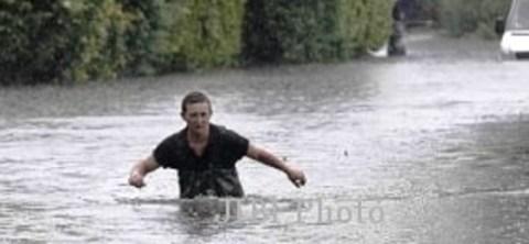 07 banjir se perut