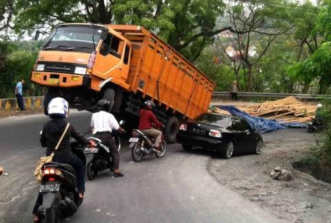 truck wheelie 3