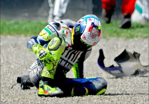 rossi crash 3