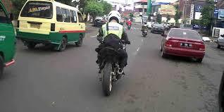 polisi racing4