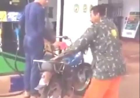 tukang bensin eceran