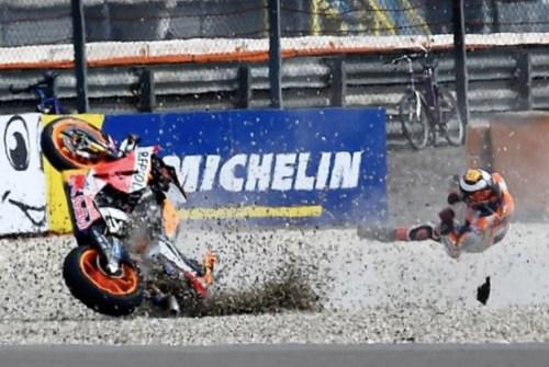 lorenzo assen crash-motogokil