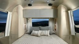 2021Airstream Flying Cloud 30 Office (12)
