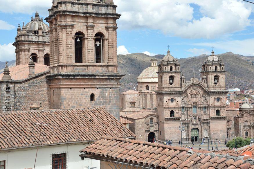 Главные храмы колониального Куско на главной площади города