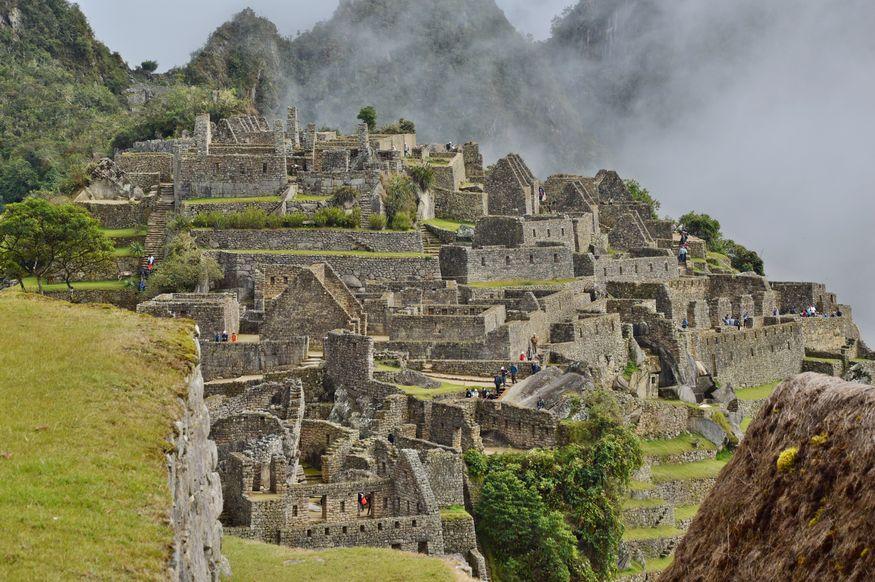 Первый вид на руины древнего Мачу Пикчу