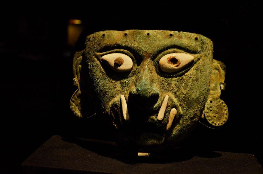 Погребальная керамическая маска Перу