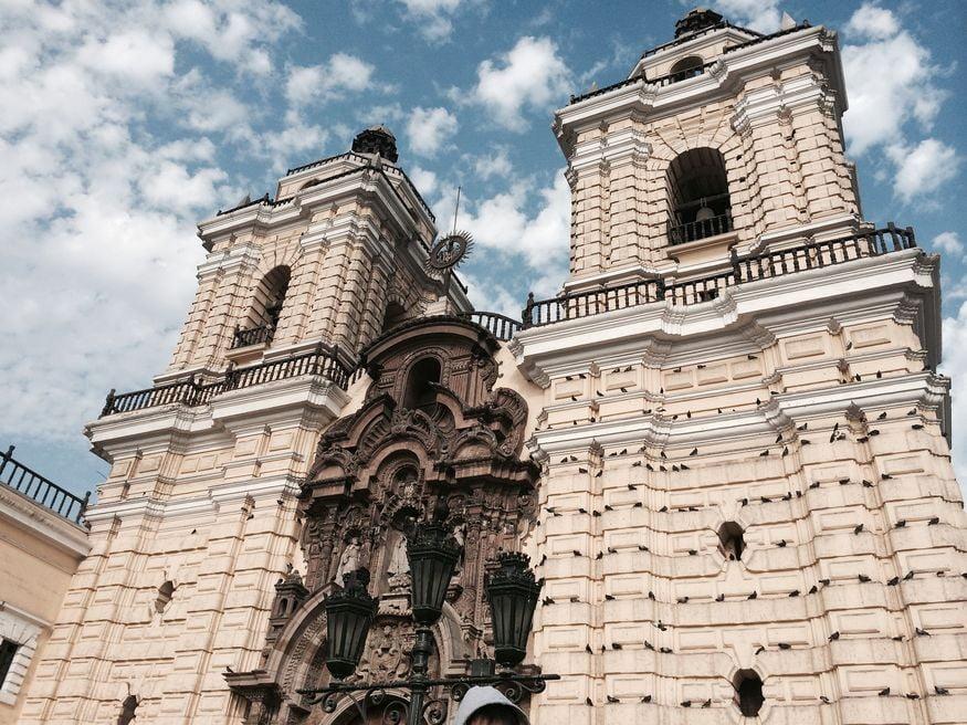 Достопримечательность в Лиме - монастырь святого Франциска