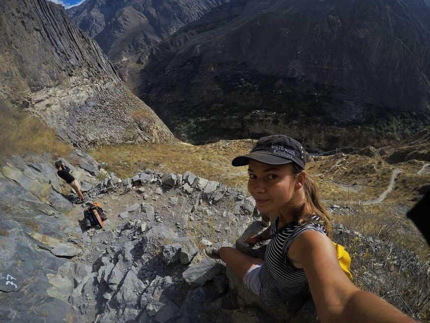 Селфи с видом на каньон Колка Перу
