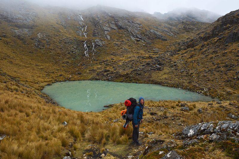 Озеро в горах около Сораты, Боливия