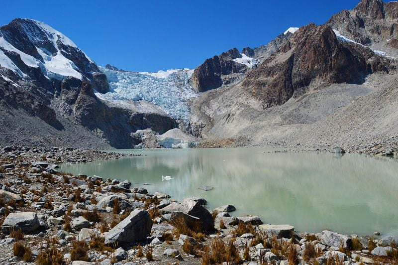 Laguna Glaciar Sarota