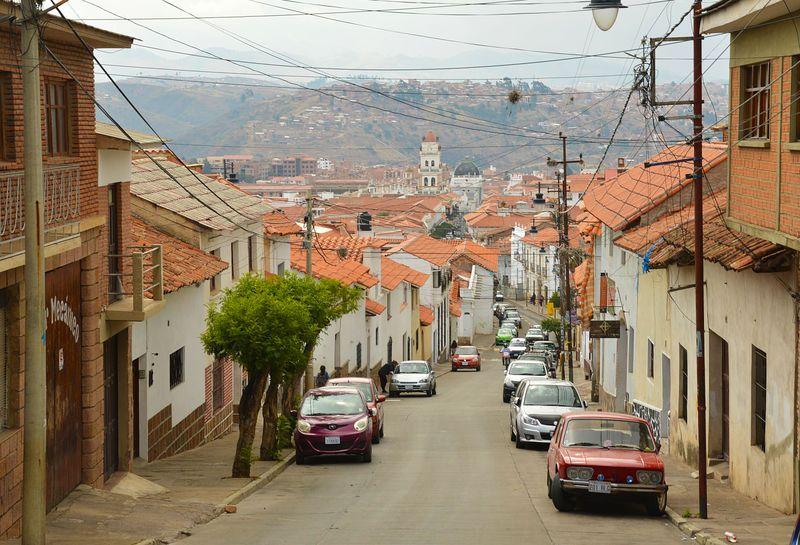 Улицы исторического центра Сукре - столица Боливии