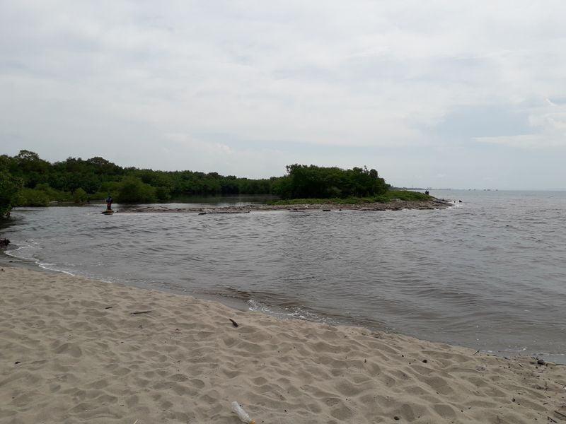 Впадение реки в море
