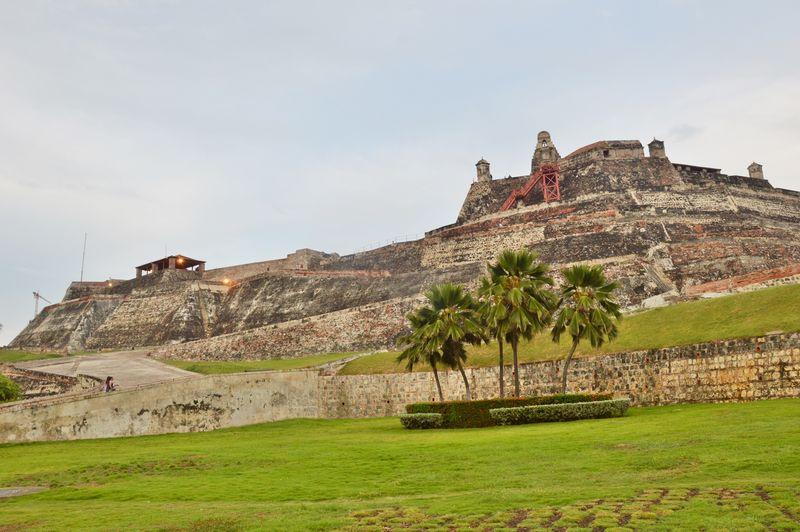 Крепость Сан Фелире Барахас