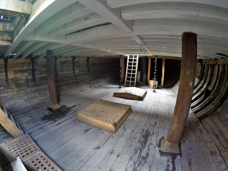 Внутренние помещения Бигля