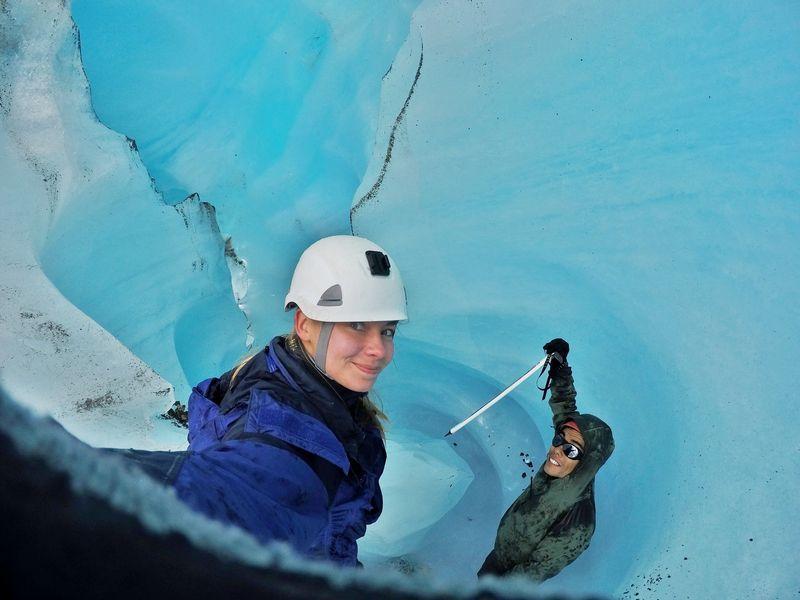 Внутри ледниковой трещины