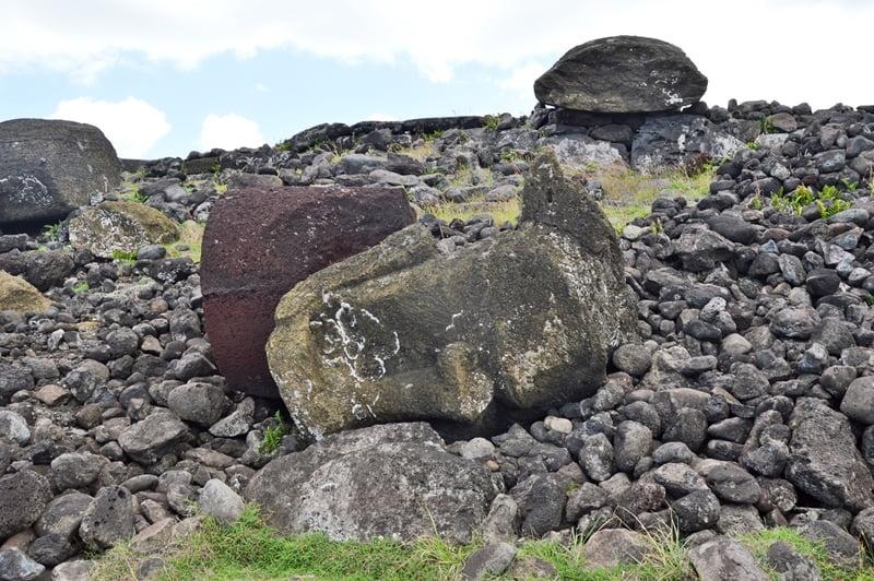 Руины Ahu Akahanga
