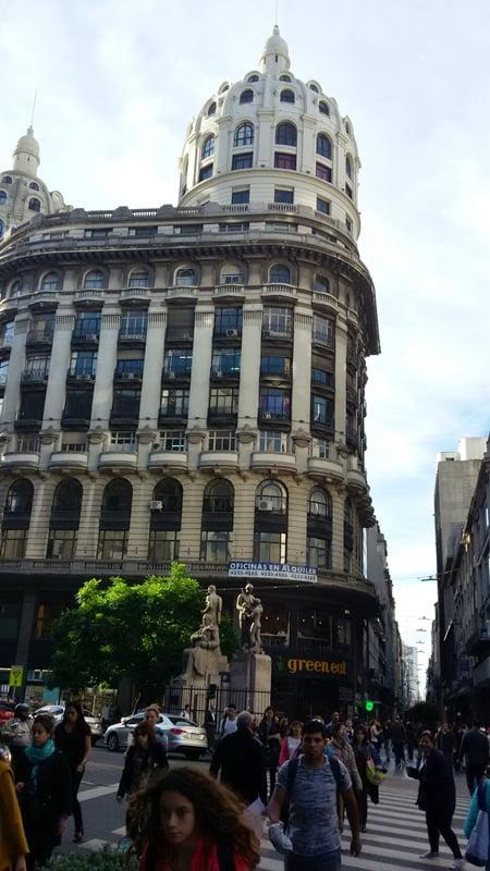 Красивое здание 20 века